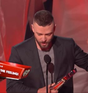 Justin Timblerlake stands up for LGBTQ youth during amazing acceptance speech