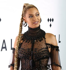 """Guess who Beyoncé might be playing in """"The Lion King"""" remake?"""