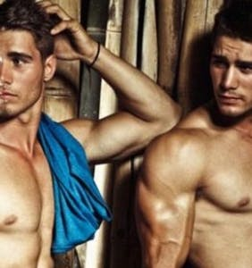 These gay twins/lovers are driving the Internet craaazy