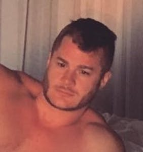 "Austin Armacost sends Internet into meltdown with ultra-revealing ""post-coital"" photo"