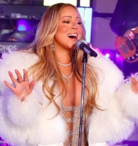 Mariah Carey asking for hot tea is 2018's first official meme