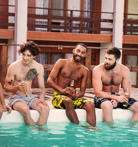 Can gay guys make gay friends while in a relationship? Redditors say…