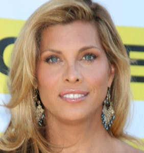 """""""Groundbreaking"""" transgender storyline in 'Grey's Anatomy' to prominently feature Candis Cayne"""