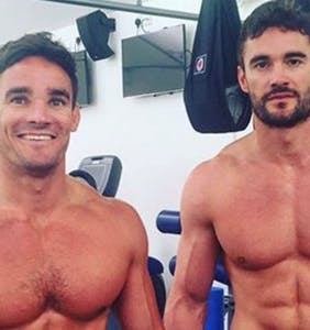 "Rugby star addresses explicit photos of him with his brother: ""We are very close"""
