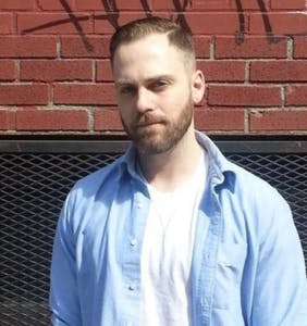 Conservative claims gay bar kicked him out over politics, bar owner shares the real story