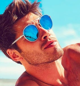 "Straight 'Love Island' star Justin Lacko talks ""awkward scenarios with men"""