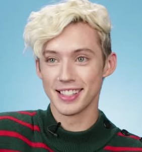 WATCH: Troye Sivan reads filthy tweets about himself