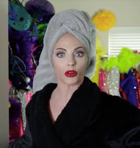 "Alyssa Edwards gives fans a super exclusive peek inside her ""magical fantasy bedroom"""