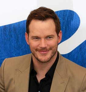 PHOTOS: Chris Pratt's dad bod has returned and Twitter is officially parched