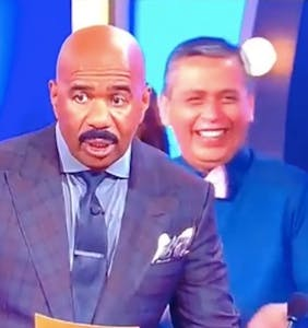 'Family Feud' contestant's witty response leaves Steve Harvey hilariously speechless