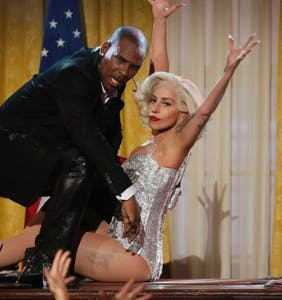 """R. Kelly slams Lady Gaga as """"not professional"""" and unintelligent as public meltdown continues"""
