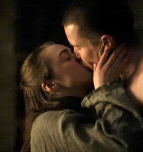 Arya's straight sex scene on 'Game of Thrones' has fans convinced she's queer