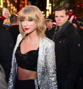 Taylor Swift just donated $113,000 to fight 5 anti-LGBTQ bills in Tennessee