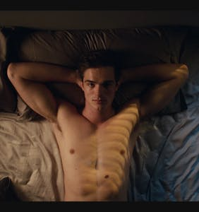 "Jacob Elordi on being ""surrounded by men"" in THAT 'Euphoria' locker room scene"