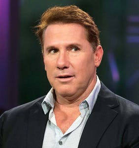Twitter drags Nicholas Sparks for his pathetic non-apology for leaked homophobic emails