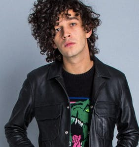 "Matt Healy comes out as ""aesthete,"" says he'll kiss beautiful men but won't have sex with them"