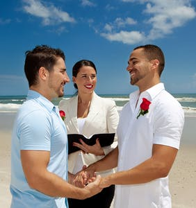 5 signs he's ready to get hitched (to you!)