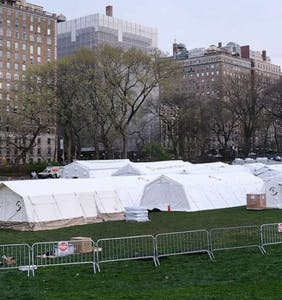 Group that set up mobile hospital in Central Park wants volunteers to oppose gay marriage