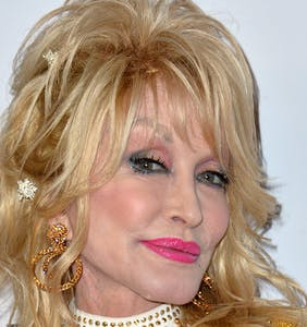 TV Actor instantly destroys his career in unhinged Dolly Parton Facebook meltdown