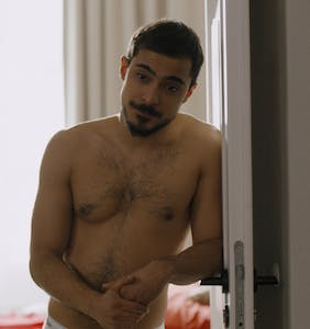 What to Watch: Tommy Dorfman finds love, Xavier Dolan does a closet case and a Syrian cam boy