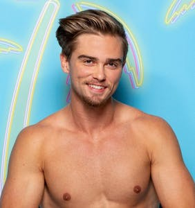 CBS axes 'Love Island' contestant after gay adult film past surfaces