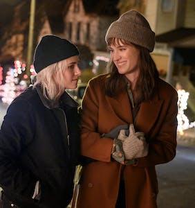Kristen Stewart & Mackenzie Davis chat about love under a microscope in 'Happiest Season'