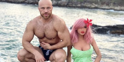 Pansexual, Kazakhstani bodybuilder weds sex doll